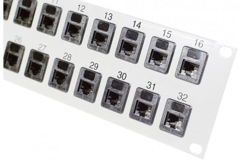 """Panneau de brassage 19"""" 32 ports"""